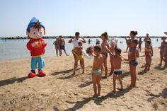 Balli di gruppo in spiaggia a #Rimini con Cristallino