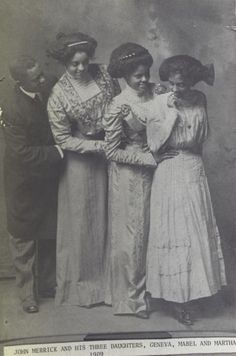 John Merrick and his Three Daughters, Geneva, Mabel and Martha - These 16 Photos of Victorian Women of Color Are So Resplendently Glorious. American Women, American Photo, Rare Photos, Vintage Photographs, Old Photos, Art Nouveau, Belle Epoque, Vintage Black Glamour, Vintage Soul