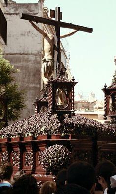Cristo de Burgos. Semana Santa Sevilla. 2014