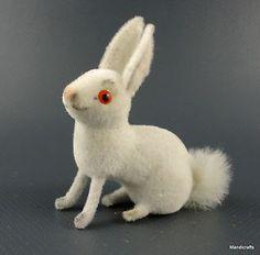 Wagner-Rabbit-White-Wool-Flocked-1990s-Kunstlerschutz-Putz-Figure-Label-NOS