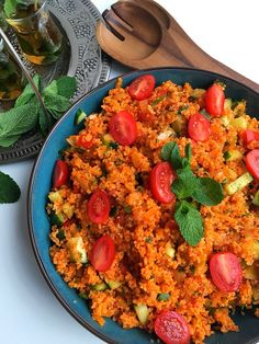 Chickpea Recipes, Tasty, Yummy Food, Orange Recipes, Paella, Fried Rice, Cobb Salad, Snacks, Cooking