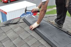 How to shingle a roof Roof Replacement Cost, Roof Flashing, Ice Dams, Drip Edge, Architectural Shingles, Roof Installation, Diy Home Repair, Roofing Contractors, Diy Home Improvement