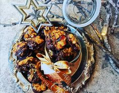 This classic florentine recipe is dairy free so even more people can enjoy this wonderful festive treat. Also makes the perfect edible gift - if they last long enough! Florentine Cookies, Florentines Recipe, Corn Flakes, Edible Gifts, Christmas Mood, Melting Chocolate, Tray Bakes, Dairy Free, Breakfast Recipes