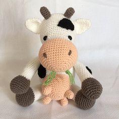 Vaca de amigurumi - juguetes ecológicos hechos a mano