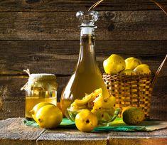 Pigwa przepisy na domowe nalewki Cooking Oil, Confectionery, Hot Sauce Bottles, Chutney, Deli, Salad Recipes, Food And Drink, Liqueurs, Parmesan