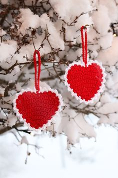 Virka hjärtan Knit Crochet, Crochet Earrings, Crafts For Kids, Crochet Patterns, Easter, Christmas Ornaments, Knitting, Halloween, Holiday Decor