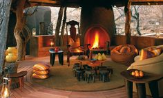 Morukuru Lodge offers only 3 luxurious bedrooms and delights with world-class cuisine prepared by a personal chef. African Room, African House, Tiny House Loft, African Interior, Ethnic Decor, Hacienda Style, Piece A Vivre, Cottage Design, Rustic Industrial
