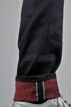 Naked & Famous - Red Weft Weird Guy About three weeks ago, Naked & Famous announced the release of a brand new raw denim for their Spring/Summer 2011 lineup – Red Weft Selvedge.  Woven on vintage shuttle looms in [...]