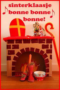 Fieve: De schoen zetten! Hello November, December, Diy Cardboard, Diy Toys, Gingerbread, Children, Kids, Projects To Try, Christmas