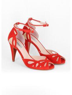 Escarpins Pierive Patricia Blanchet High Heel Pumps, Pumps Heels, Shoes Sandals, Vintage High Heels, Vintage Shoes, Pretty Shoes, Beautiful Shoes, Crazy Shoes, Me Too Shoes