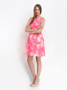 http://www.topsecret.pl/sukienka-damska-bawelniana-sukienka-na-podszewce-rozszerzana-taliowana-z-kola-do-pracy-elegancka-na-co-dzien-na-impreze-ssu1039-top-secret,29237,165,pl-PL.html#color=KOLOR_124
