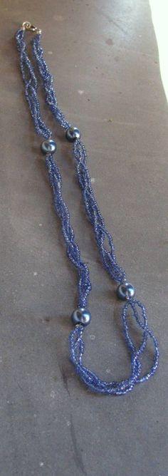 Collana di perline intrecciate color blu di LecreazionidiVicky, €10.00