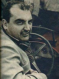 Informações pessoais Apelido(s)Os Pampas Bull NacionalidadeArgentina argentino Nascimento22 de outubro de 1922 Arrecifes, Argentina Morte15 de junho de 2013 (90 anos) Buenos Aires, Argentina Registros na Fórmula 1 Temporadas1950-1957, 1960 Equipes4 (Maserati, Talbot Lago, Ferrari e Vanwall) GPs disputados26 Títulos0 (2º em 1954) Vitórias2 Pódios15 Pontos72.141 (77.64) Pole positions3 Voltas mais rápidas6 Primeiro GPGP de Mônaco de 1950 Primeira vitóriaGP da Grã-Bretanha de…