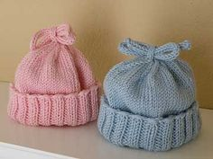 Such a cute knit hat pattern and perfect for beginners, an easy knitting pattern. Knitted Baby Clothes, Baby Hats Knitting, Crochet Baby Hats, Knitting For Kids, Free Knitting, Knitted Hats, Free Crochet, Knitted Baby Beanies, Simple Knitting