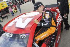 Auto Racing Roundup   Matt Kenseth sits on Kansas pole