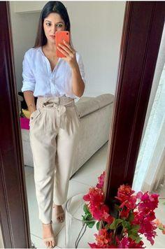 Khaki Pants, Capri Pants, Design, Fashion, Moda, Khakis, Capri Trousers, Fashion Styles, Fasion
