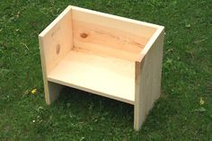 DIY Montessori chair for toddler. This flip seat is a favorite for kids because it has a low seat, a high seat, can be pushed around and used as a table. Kids Table And Chairs, Kid Table, Ana White, Woodworking For Kids, Woodworking Projects, Woodworking Plans, Wood Projects For Kids, Diy Projects, Diy Montessori