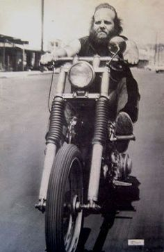 Greycat - Nomads Monkey - Ironhorsemen Henry - Ironhorsemen Terry the Tramp - Oakland Animal - Oakland Beautiful Buzzard Angel Mexica. Harley Davidson Pictures, Classic Harley Davidson, Biker Clubs, Motorcycle Clubs, Outlaws Motorcycle Club, Old School Chopper, Old School Vans, Hells Angels, Mexica