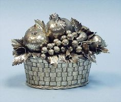 Magnificent Sterling Silver Centerpiece by Buccellati, Sterling silver, Milan, Italy, 20th century
