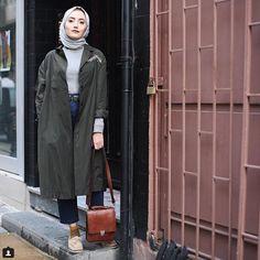 Trench coats with hijabi styling ideas – Just Trendy Girls Modern Hijab Fashion, Muslim Fashion, Modest Fashion, Casual Hijab Outfit, Hijab Chic, Fashion Couple, Girl Fashion, Fashion Outfits, Twiggy