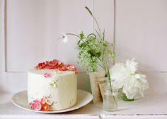 such a pretty cake