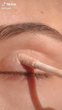 Eye Makeup Steps, Eye Makeup Art, Smokey Eye Makeup, Eyebrow Makeup, Skin Makeup, Eyeshadow Makeup, Glossy Makeup, Cut Crease Makeup, Make Makeup