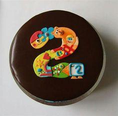 Number two cake, Pikkukakkonen -suklaakakku.
