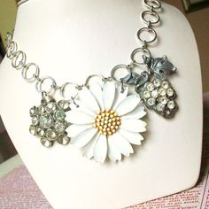 I love metal vintage flower pins! Here's a great repurpose using one.