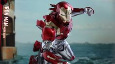 Hot Toys Gives Us Our Best Look Yet at Iron Man's New Armor in SPIDER-MAN: HOMECOMING