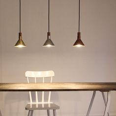 EPOCA pendant light エポカ ペンダントライト - ディ クラッセのライト通販 | リグナ Cafe Interior, Interior Design, Pendant Lighting, Chandelier, Living Styles, Furniture Decor, Room Decor, Ceiling Lights, House