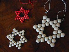 Sterne aus Holzperlen DIY