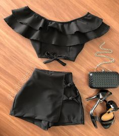 Sexy Outfits, Crop Top Outfits, Girly Outfits, Cute Casual Outfits, Pretty Outfits, Stylish Outfits, Girls Fashion Clothes, Teen Fashion Outfits, Cute Fashion