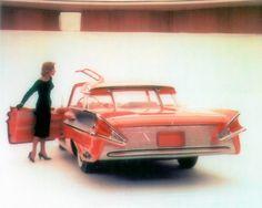 1956 Mercury XM 100 Turnpike Cruiser show car