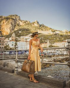 Arriving in Amalfi and already enchanted by this beautiful place!, Beach Outfits, Arriving in Amalfi and already enchanted by this beautiful place! Spring Fashion, Fashion Show, Fashion Looks, Fashion Art, Retro Fashion, Korean Fashion, Winter Fashion, Vintage Fashion, Fashion Dress Up Games