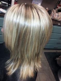 Different shades of blonde on Robyn!