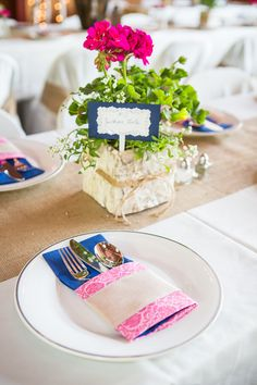 Rustic DIY Table Decor | JACLYN SCHMITZ PHOTOGRAPHY | http://knot.ly/6496BvVGr | http://knot.ly/6497BvVGT