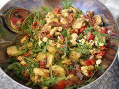 Die italienische Küche ist einfach, schnell und lecker! So auch der lauwarme Gnocchi-Salat.