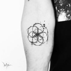 Seed of life tattoo by gerardowaz.   These blackwork tattoos are the most exquisite creations by some of the most renowned tattoo artists out there for your pleasure. Enjoy!