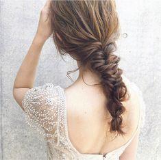 プレ花嫁さん必見♡自分史上最高のキレイを叶える「ブライダルヘア特集」 - LOCARI(ロカリ) Bridal, Hair And Nails, Wedding Hairstyles, Dress Up, Dreadlocks, Pearl Earrings, Tomoya, Hair Styles, Inspiration