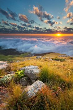 """""""Longtom Pass Sunrise"""" - between Graskop and Lydenburg in Mpumalanga - South Africa - by Des Jacobs on Outdoorphoto Weekly Choice Galleries All Nature, Amazing Nature, Composition Photo, Beautiful World, Beautiful Places, Beautiful Sunset, Landscape Photography, Nature Photography, Landscape Photos"""