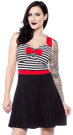 SOURPUSS+SWEETHEART+DRESS+BLACK+&+WHITE+-+Our+new+Sweetheart+Dress+is+the+perfect,+easy+dress+to+throw+on+when+you+want+to+look+cute+without+making+a+ton+of+effort!+The+top+has+a+sweetheart+neckline+with+an+attached+bow,+and+the+back+has+a+cutout+for+something+a+little+different.+The+wide+waistband+will+flatter+your+shape+and+the+a-line+skirt+is+the+right+length+for+tall+and+short+ladies+alike!