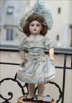 Antique Dolls Bru Jne 11 64 Cm 24 Pouce Antique Doll Reproduction Antique Doll Sufficient Supply