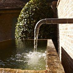 Vlassak Verhulst Villabouw klassiek landelijk tijdloos waterpartij fontein vijver kraan