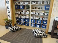 Great classroom/reading area organization! Teaching Matters