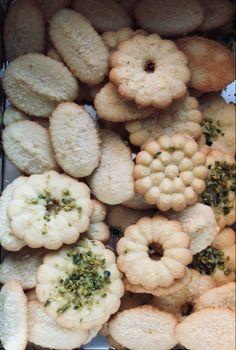 Flavored Butter, Pistachio, Sweet Recipes, Rum, Garlic, Stuffed Mushrooms, Coconut, Cookies, Vegetables