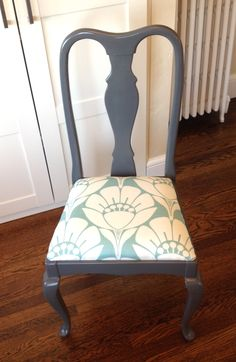 Dining room chairs makeover - Chair Makeover The Queen's New Clothes Dining Table Makeover, Dining Room Makeover, Dinning Room Chairs, Dining Chair Makeover, Refurbished Chairs, Upcycled Dining Chairs, Furniture Makeover, Dining Chair Upholstery, Upholstered Chairs