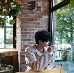 Aesthetic Boy, Chinese Boy, Ulzzang Boy, True Beauty, Webtoon, Raincoat, Cool Stuff, Boys, Womens Fashion