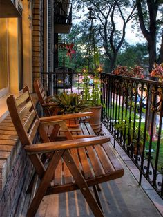 Trucos de decoración para balcones pequeños