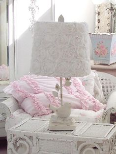 I have a hard time resisting items with birds in/on them - White Roses Song Bird Lamp