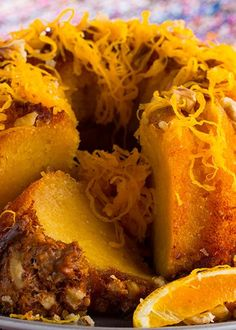 Pudim de Laranja e Mel com Nozes Portuguese Desserts, Portuguese Recipes, Portuguese Food, I Chef, Fat Foods, Pudding Cake, Custo, Cheesesteak, Sweet Recipes